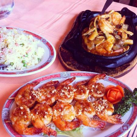 Brochettes de crevettes grill es et riz cantonnais photo for Ai cuisine thonon