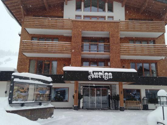 Hotel Auriga: front of hotel