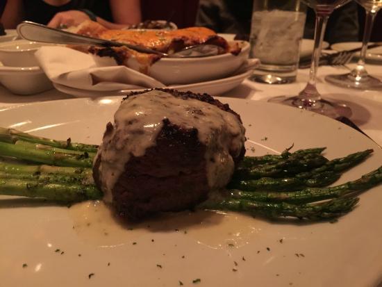 Flemings Prime Steakhouse & Wine Bar: Filet with Gorgonzola & Asparagus