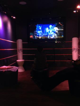 Chickie's & Pete's: Private game room