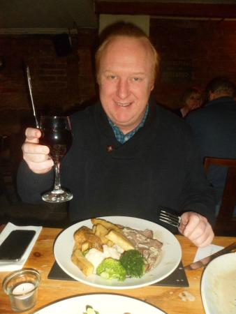 White Horse and Griffin: Beautiful Beef & a Glass of Red