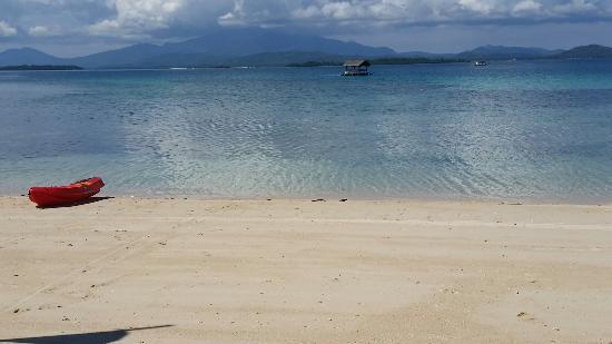 Dos Palmas Island Resort & Spa: Beach at Dos Palmas