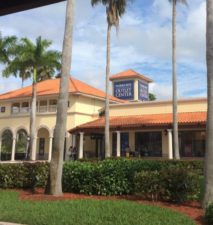 Florida Keys Premium Outlets: Outlet