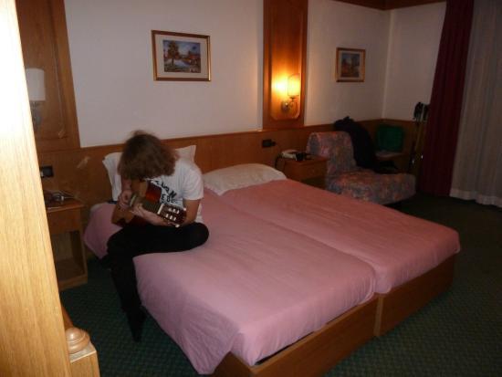 Intermonti Hotel: Pokoj.