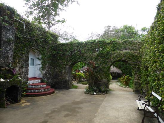 Port Maria, Jamaica: Burgzimmer und Restaurant