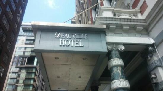 Hotel Deauville : entrance