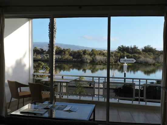 Oasis Maspalomas: View of La Charca from the lounge