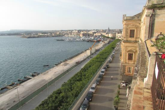 Casesicilia: View of the port