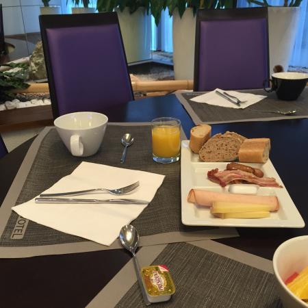 Novotel Grenoble Centre : Petit déjeuné