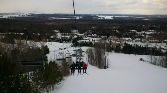 Turning the slopes from green to white takes hard work, lots of man hours and millions of gallons of water! Just how do they do it! Views. Snow Valley Resort Barrie. December 1 at AM · Job, employent and career opportunities at Snow Valley Barrie. Snow Valley Resort Barrie.