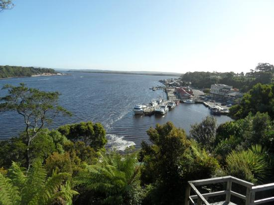 Franklin Manor : Strahan harbour view