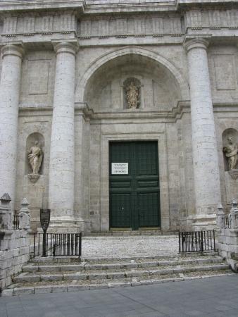 Catedral de Nuestra Senora de la Asuncion: Frente
