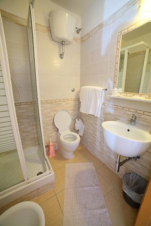 Hotel Principe Amedeo: BAGNO