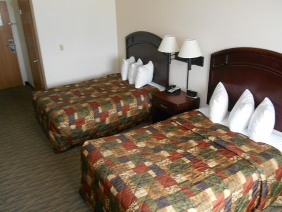 Settle Inn & Suites Harlan: 2 Double Beds