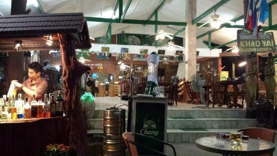 Khao Yai Garden Lodge : restaurant bar