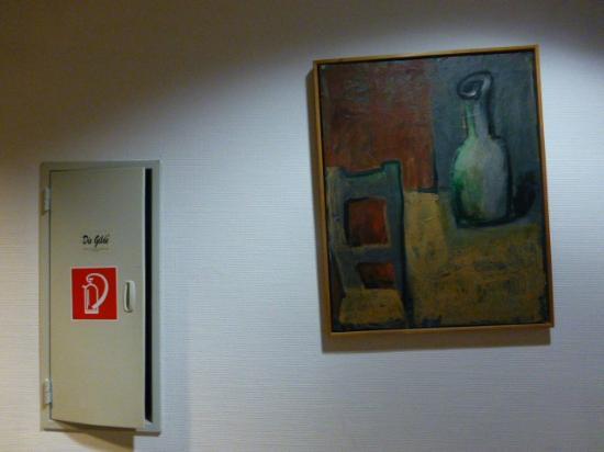 Arthotelroyal: Flur mit Kunst