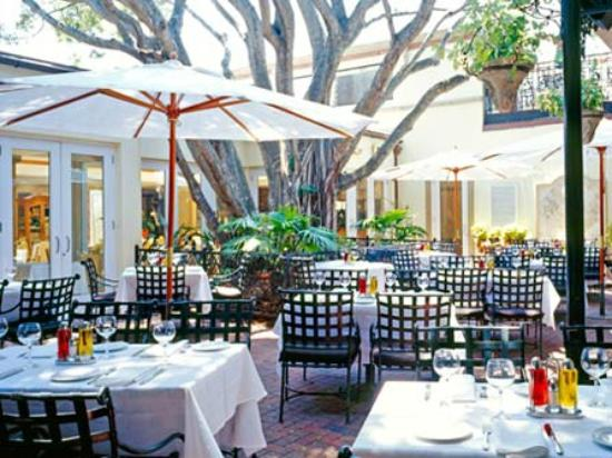 Outdoor dining at Campiello.