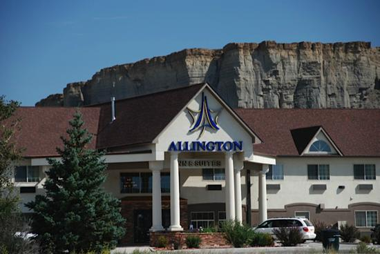 Allington Inn & Suites of Kremmling: Front Entrance