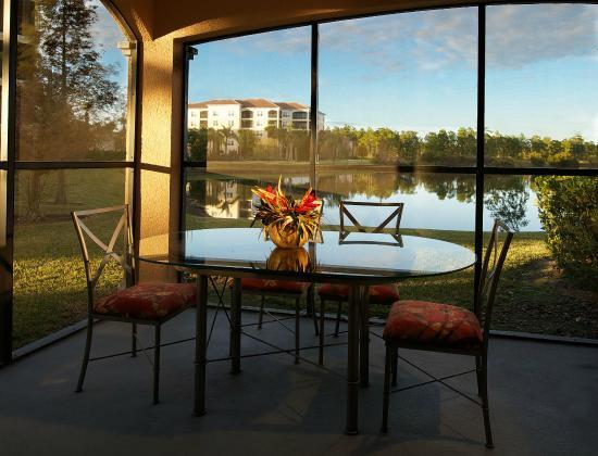 WorldQuest Orlando Resort: Enclosed Private Balcony
