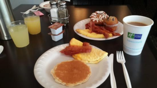Holiday Inn Express Los Angeles-LAX Airport: Breakfast