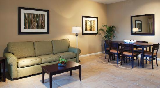WorldQuest Orlando Resort: Living Area