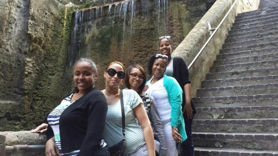 Jermaine's Taxi & Tours - Day Tours: At the Queen's Staircase