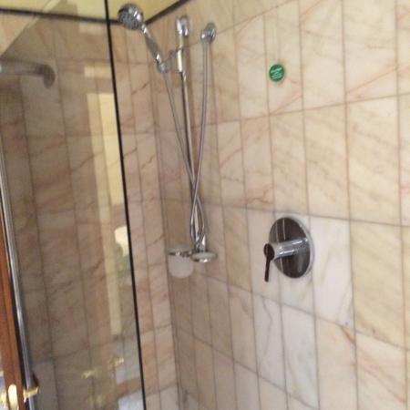 Mercure Reggio Emilia Centro Astoria: Angolo doccia