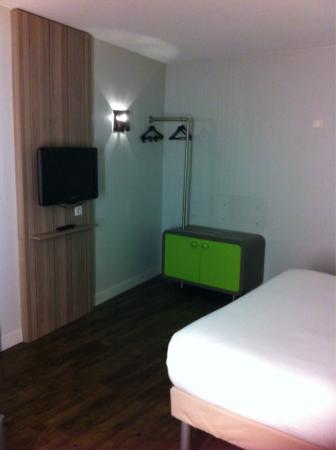 Ibis Styles: Chambre spacieuse