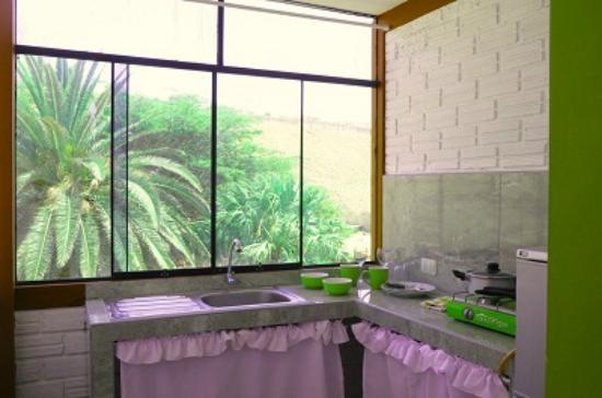 Foto de hospedaje los faroles pacasmayo habitacion con for Cocinas con vista al jardin