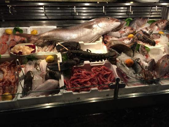Fresh fish counter of Pierluigi
