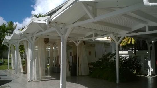 Bwa Chik Hotel & Golf : lounge extérieur