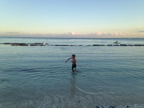 Villas Del Mar: calm water