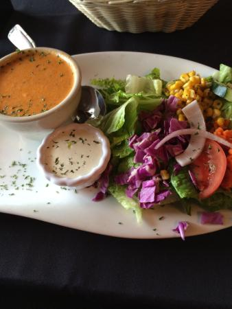 Cornish Manor Restaurant: Soup- lobster bisque and salad