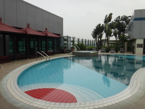 ‪Changi Swimming Pool‬