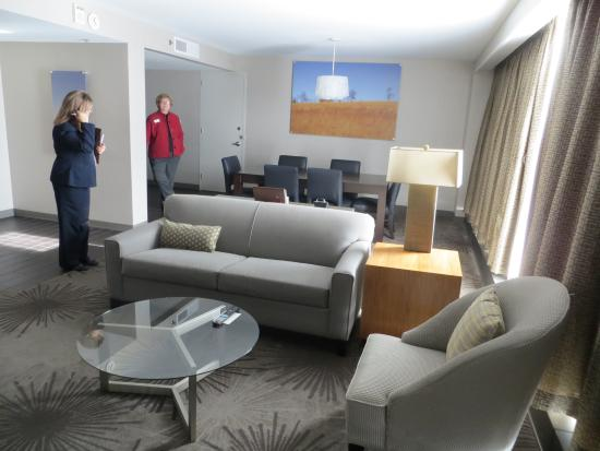 DoubleTree by Hilton Hotel Cedar Rapids Convention Complex: Standard King Room