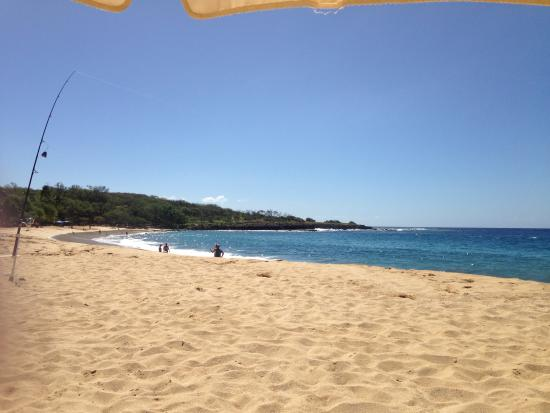 Lanai City, Hawái: The beach. Midday.
