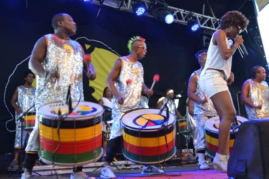 Olodum: baile con cantante