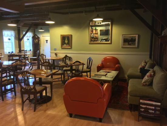 The Old Mill Inn: Mill District Coffee Shop