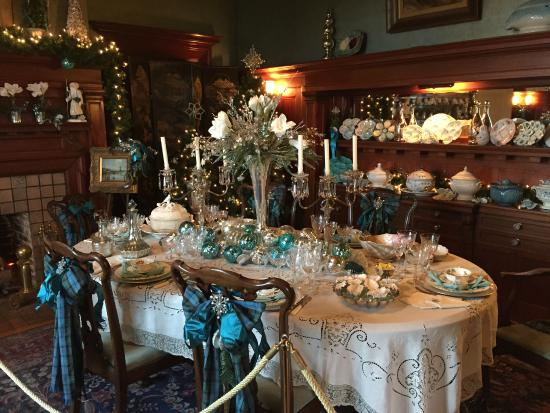 Dining room decorated for Christmas - Picture of Pittock Mansion ...