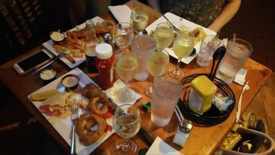 O'Keefe's Tavern & Restaurant: DINNER w/FRIENDS
