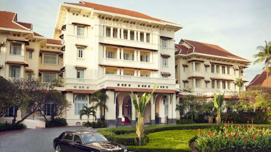 Raffles Hotel Le Royal: Hotel Facade