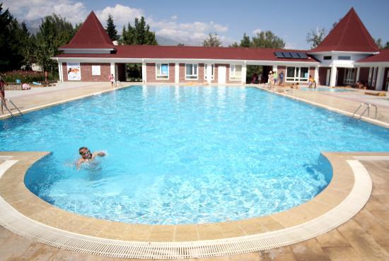 Cholpon Ata, Kirgisistan: Открытый бассейн