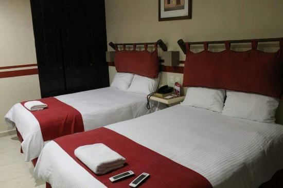Mision Campeche : Amplia habitación, camas super comodas