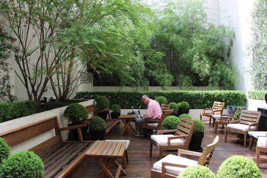 Serena Hotel: Rear courtyard