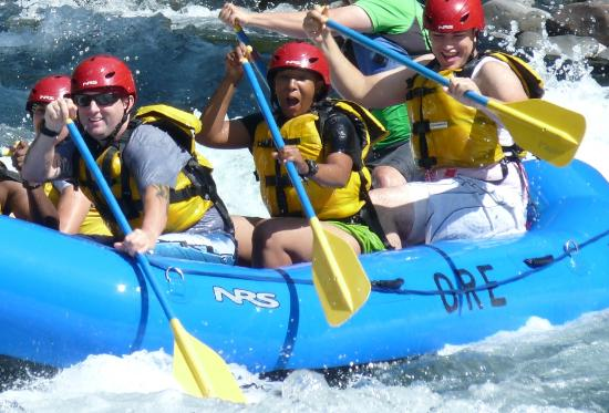 Beavercreek, ออริกอน: Whitewater rafting on the Clackamas River