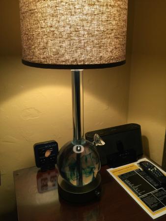 Graduate Berkeley: Bong lamp in room! :)
