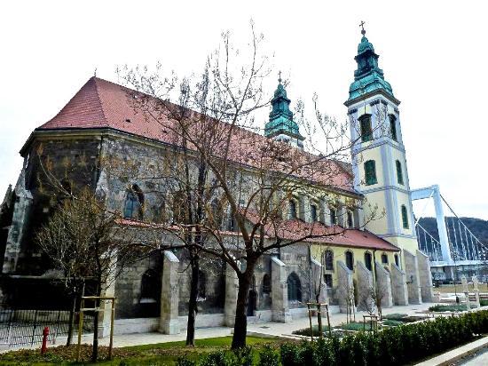 Inner-City Parish Church (Belvarosi Plebania Templom): Side of Church