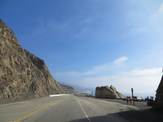 Point Mugu State Park: Free place to park at Point Mugu Rocks