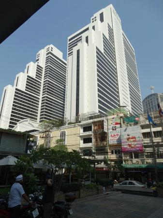 Marvel Hotel Bangkok Queen Imperial Park 7 Star Adjacent To