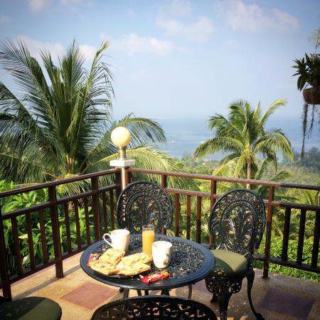 Koh Tao Star Villa: Aamupalaa terassilla